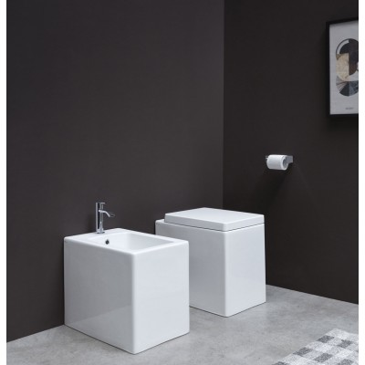 Toiletten  Nic Design Cool Ground Toiletten  003 229 + 004 230 + 005 238
